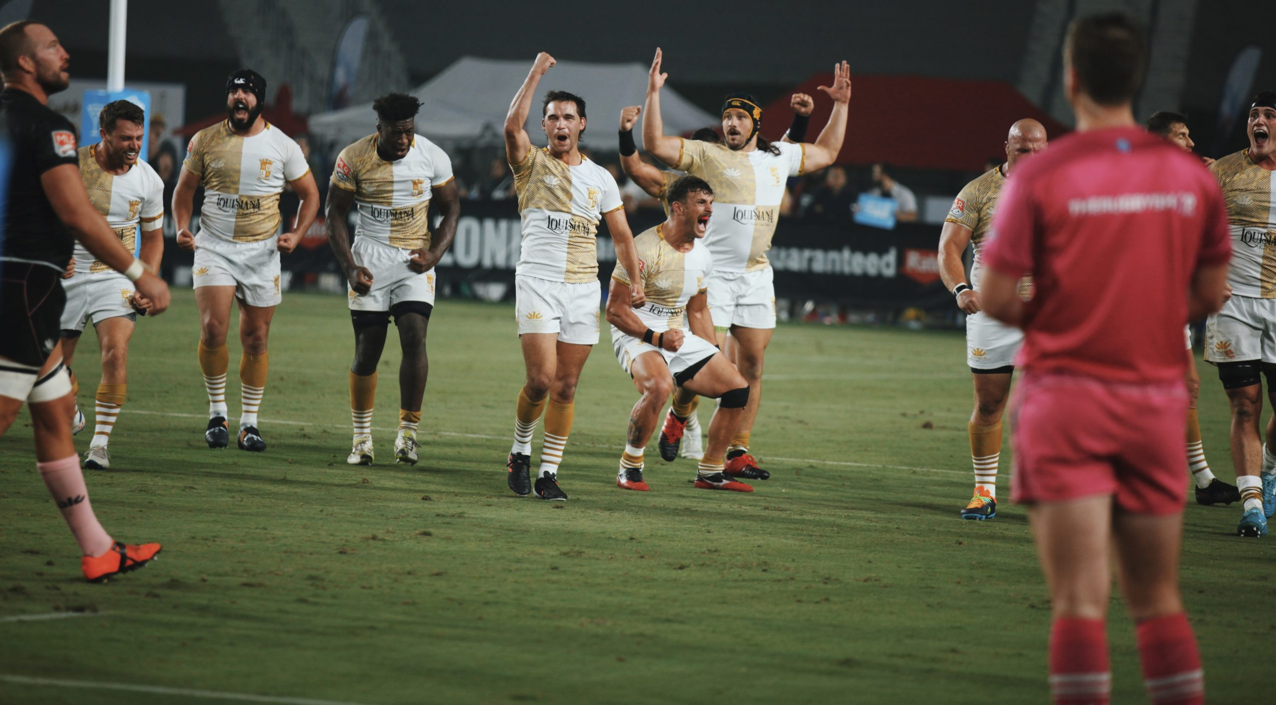 The Gold Defeat the Giltinis